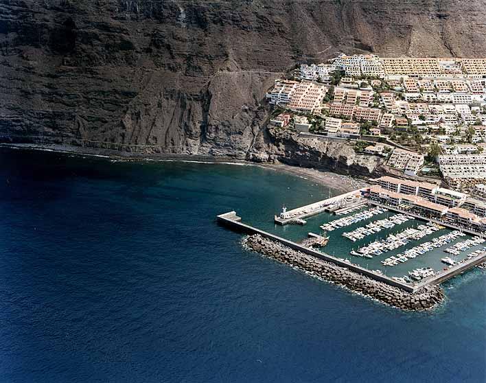Puerto de Los Gigantes, Tenerife